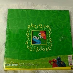 EK Success Office - SESAME STREET 12X12 Scrapbook Album